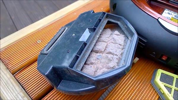 contenitore polvere del Moneual ME770