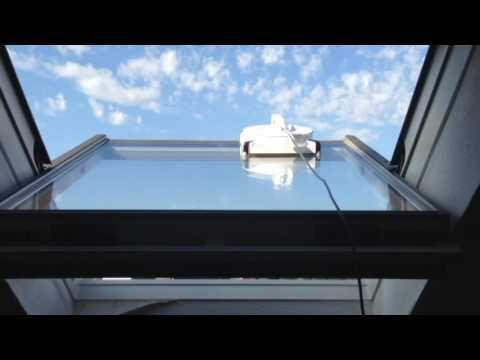 w950 in azione su finestra con pendenza